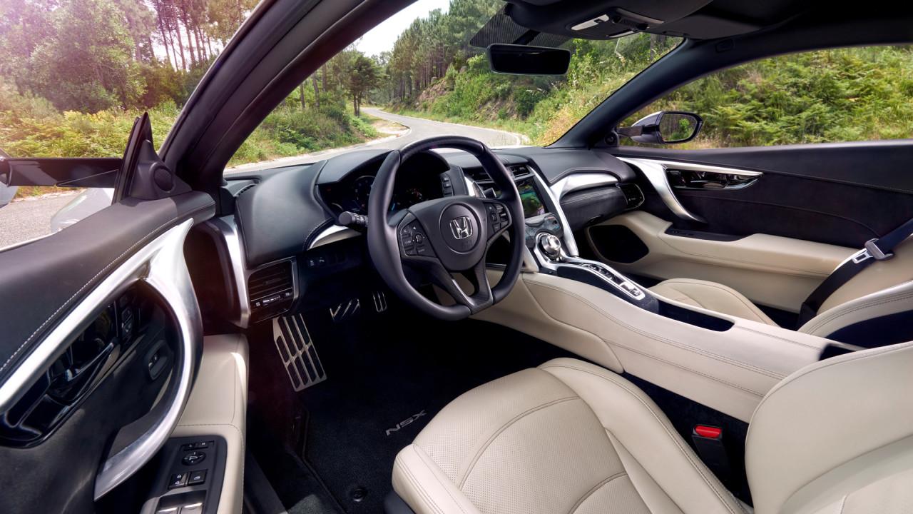 Honda-NSX-Silver-Metallic-Interior