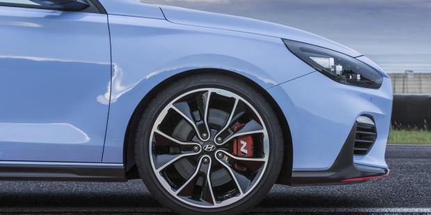 Hyundai-i30-N-Brakes-Wheels