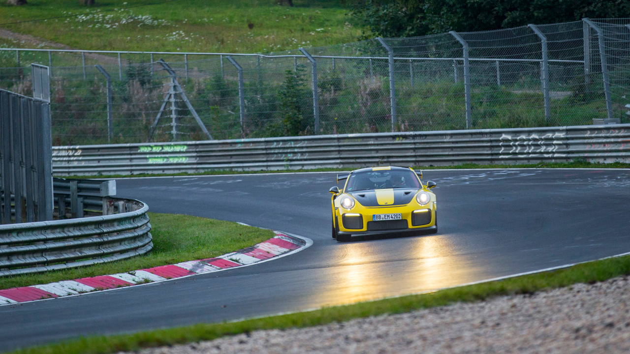 Porsche-911-GT2-RS-Nurburgring-Lap-Time