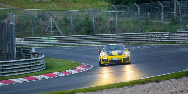 Porsche-911-GT2-RS-Nurburgring-Lap-Time