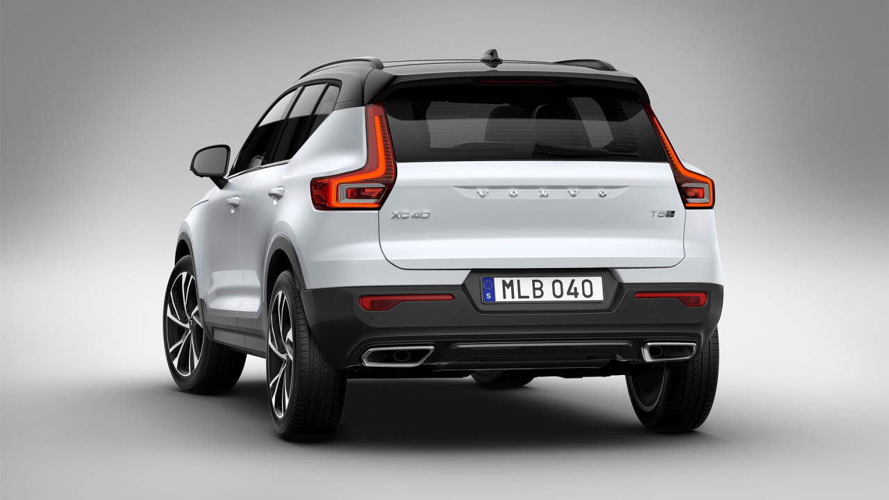 Volvo-XC40-Rear