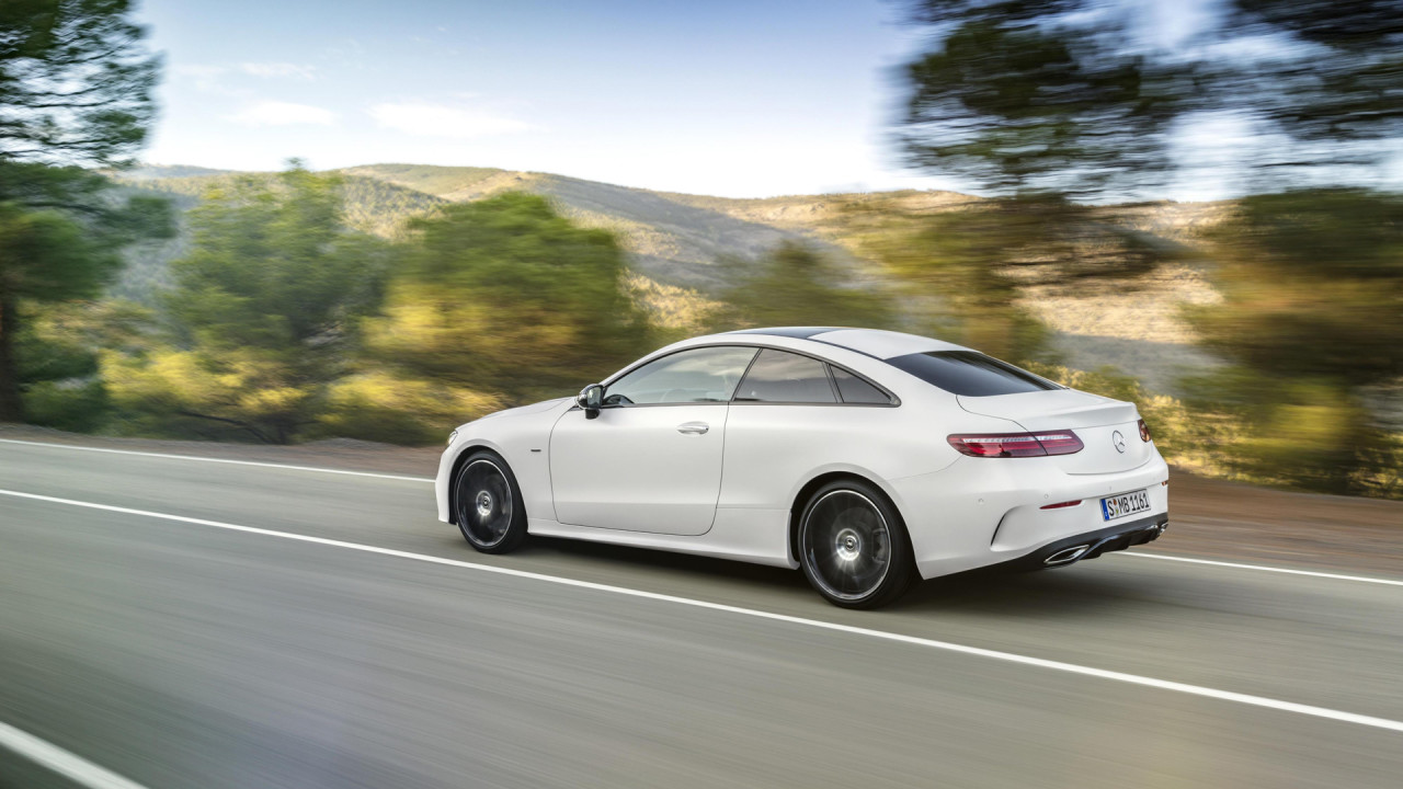 Mercedes E Cl Coupe Amg Line 2017 Design